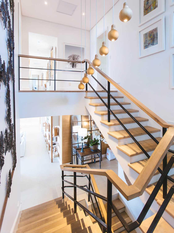 Beratung Hausbau Treppe aus Massivholz Konzepthaus Kanehl in Jülich